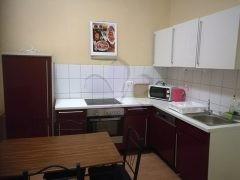 Debrecen, Piac utca - Tágas lakás eladó a Belvárosban
