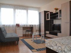 Debrecen, Piac utca - Világos, szép lakás kiadó a belvárosban