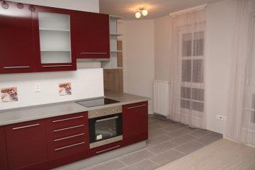 Debrecen, Bajcsy-Zsilinszky utca - Tágas lakás kiadó a Belvárosban