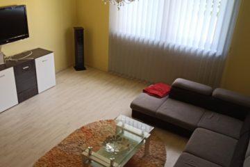 Debrecen, Nyék utca - Napfényes ház kiadó a Nyék utcán