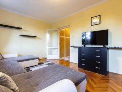 Debrecen, Vezér utca - Erkélyes lakás kiadó a Vezéren