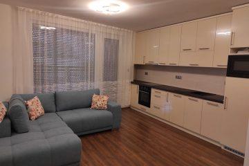 Debrecen, Széchenyi utca - Erkélyes lakás kiadó a Belvárosban